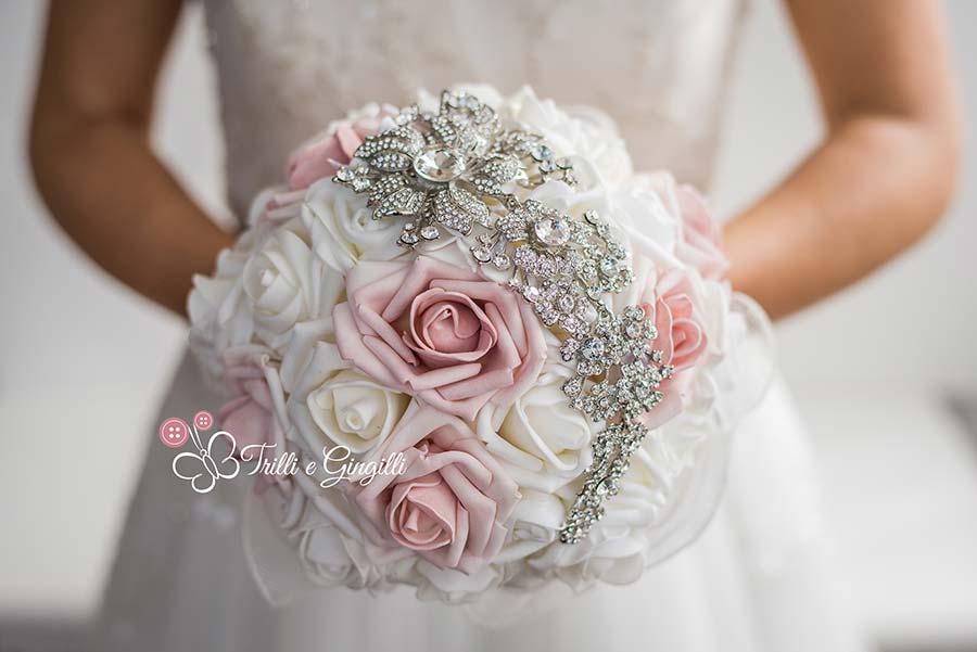 Bouquet Da Sposa Gioiello.Bouquet Gioiello Ecco I Modelli Piu Originali E Dove Trovarli