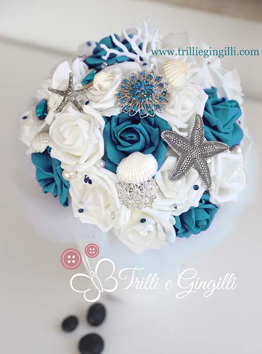 bouquet sposa gioiello tema mare bianco blu ottanio