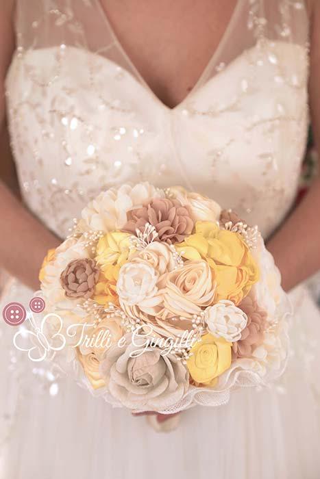bouquet di stoffa giallo e bianco