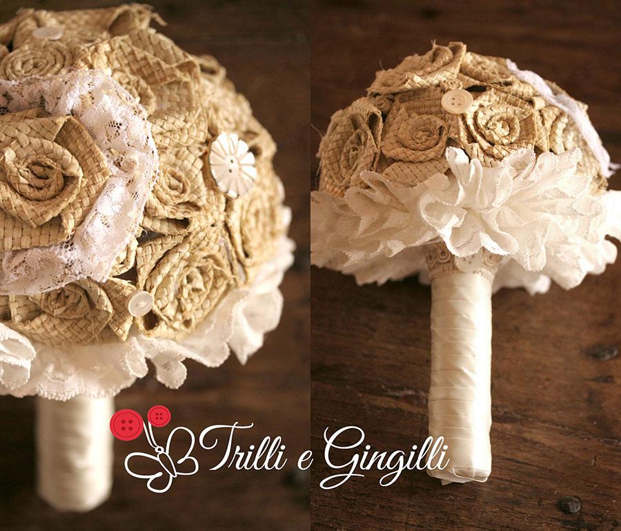 Bouquet country con rose di rafia