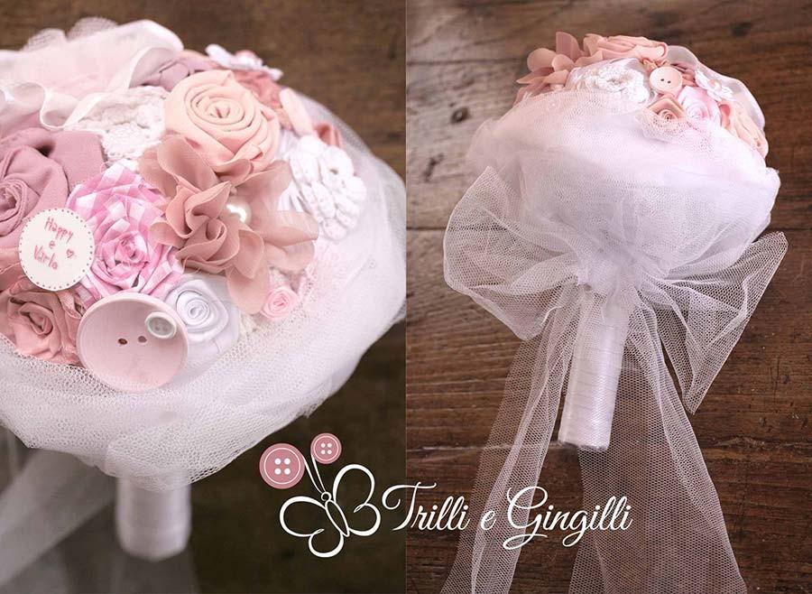 Bouquet di stoffa rosa e bianco
