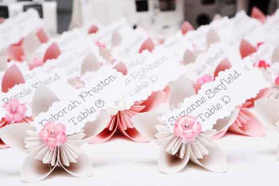 Segnaposto Matrimonio Tema Ulivo : Originali segnaposto a forma di fiore per il matrimonio