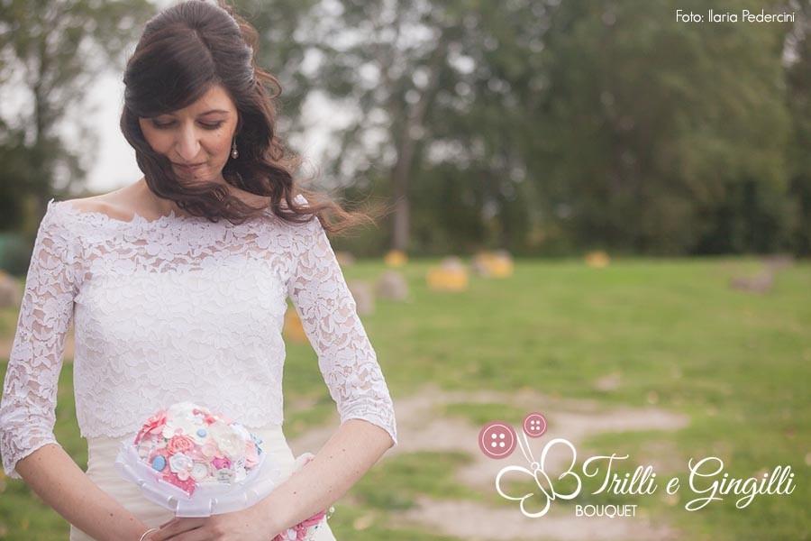 Sposa con bouquet rosa Trilli e Gingilli