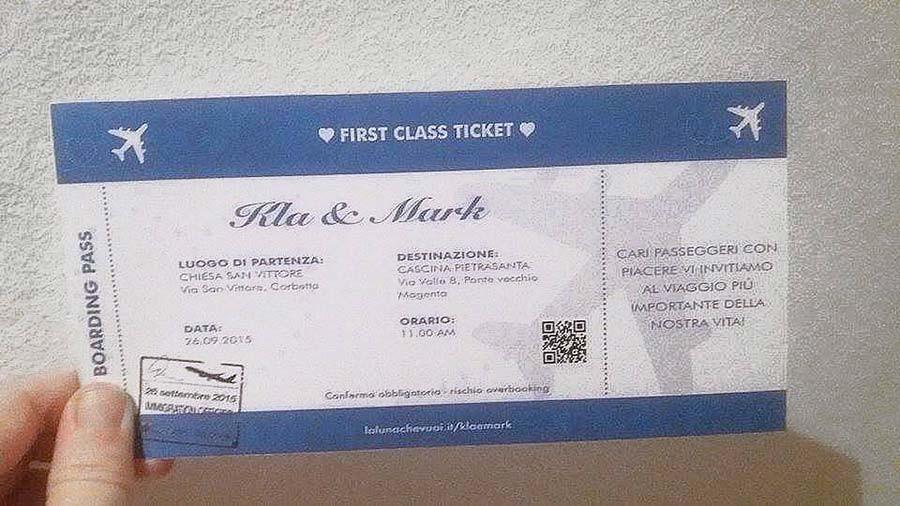 Partecipazioni a tema viaggio a forma di biglietto aereo