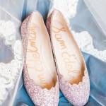 Matrimonio a tema rosa e nero scarpe ballerine rosa