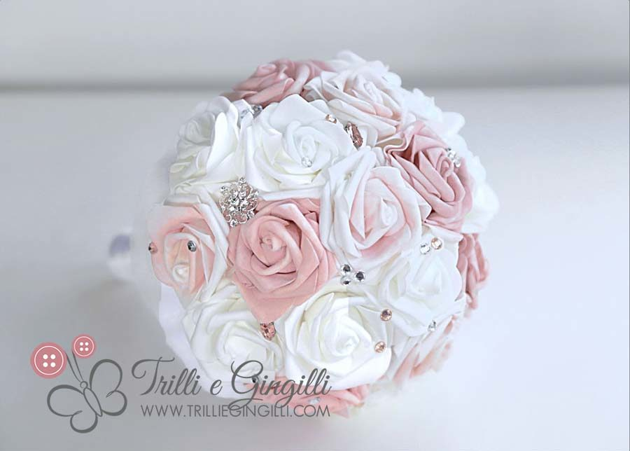 Matrimonio In Rosa E Bianco : Bouquet da sposa in stile country e chic