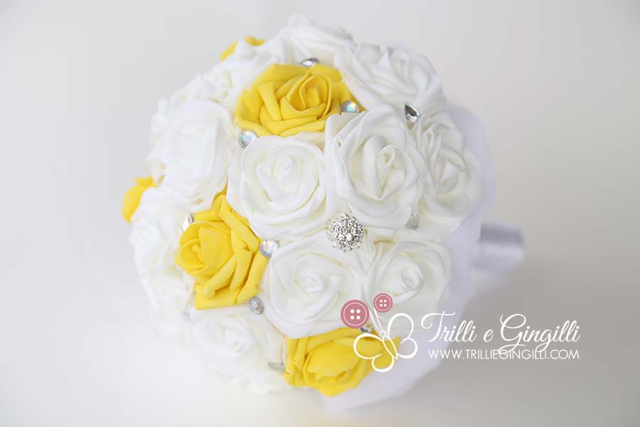 bouquet sposa anni 50 rose gialle e bianche gioiello