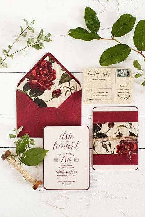 Partecipazioni rosse borgogna vintage con fiori