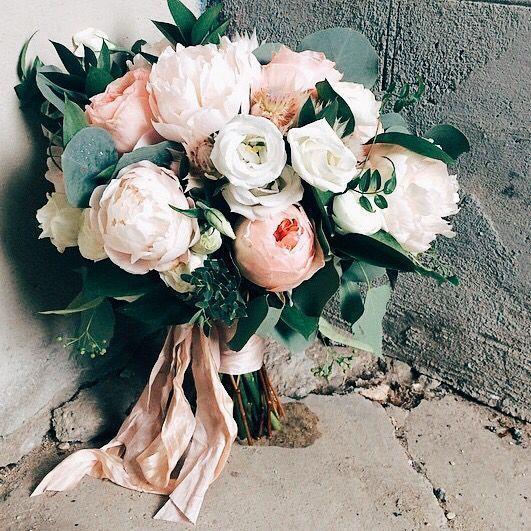bouquet sposa peonie bianco rosa