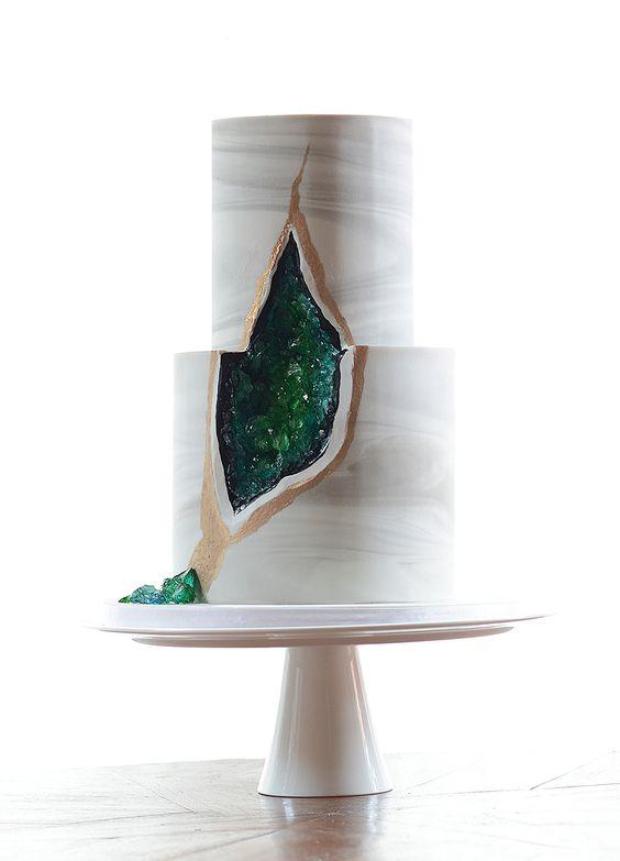 torta matrimonio gemme preziose cristallo smeraldo