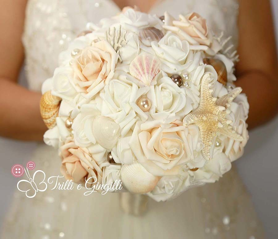 bouquet di rose a tema mare