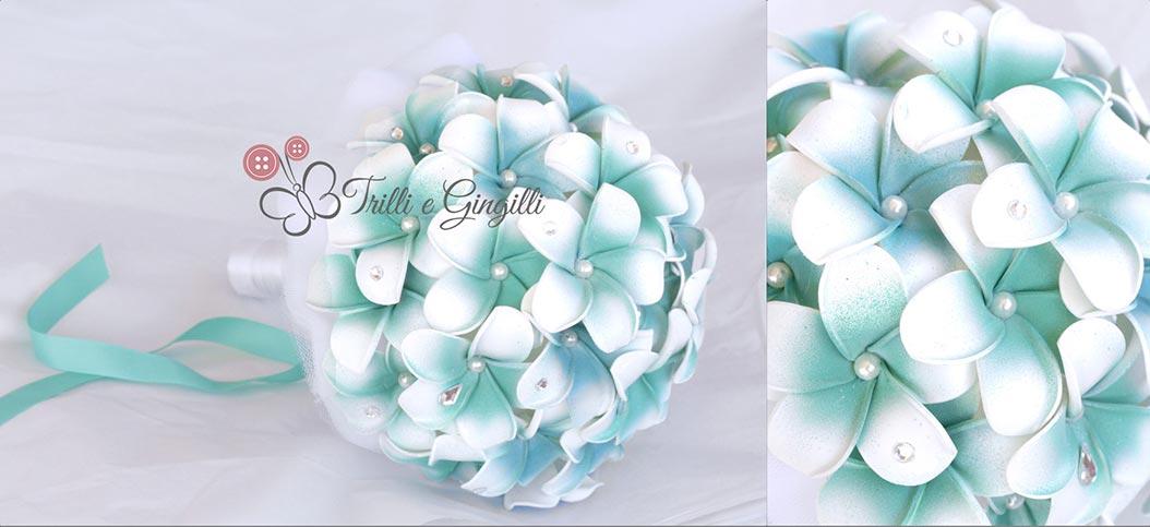 Bouquet di frangipani tiffany con perle e strass