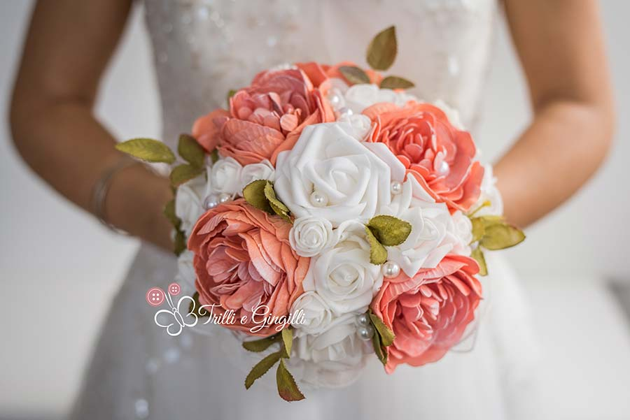 Bouquet di peonie e rose