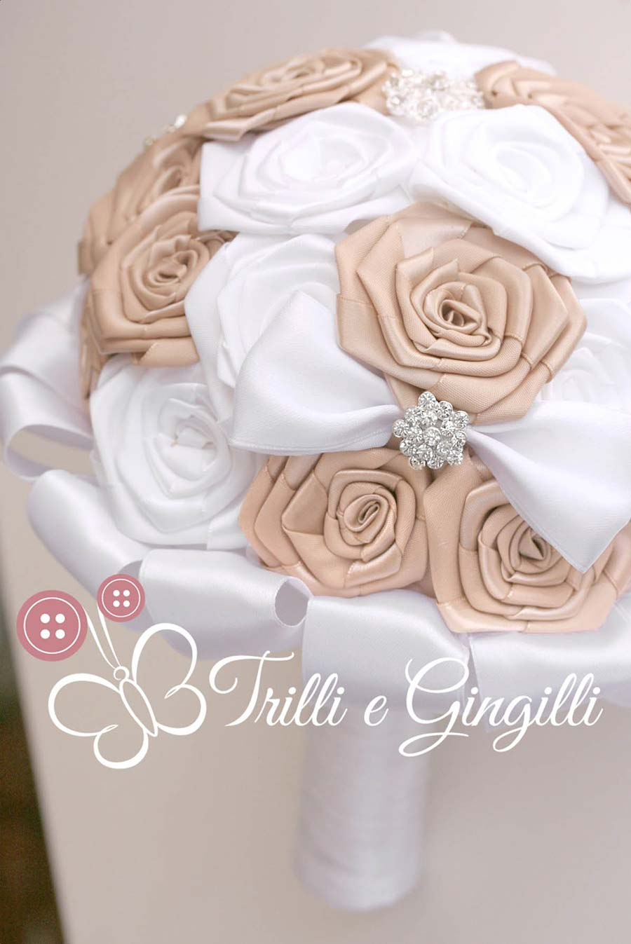 bouquet rose stoffa bianche beige