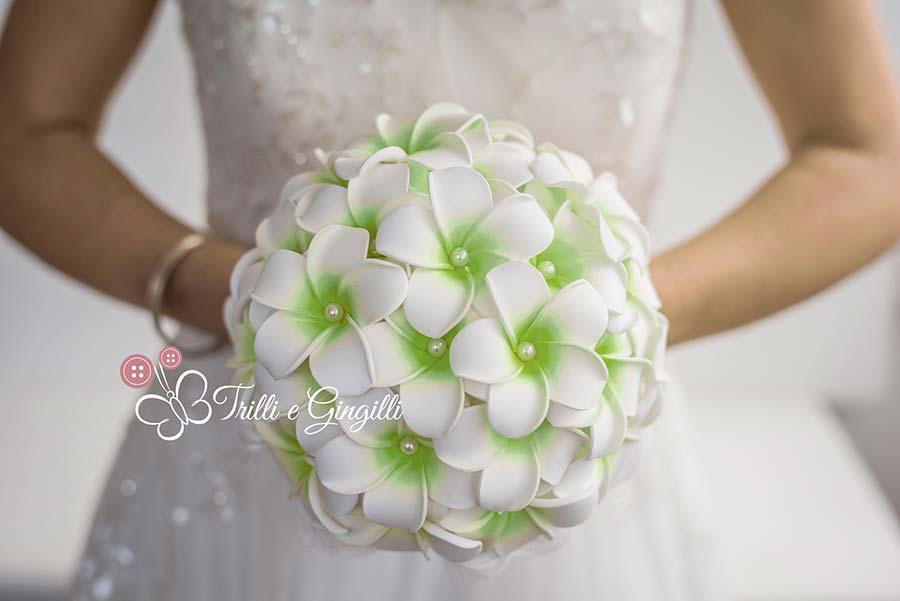 bouquet frangipani verde matrimonio 2017