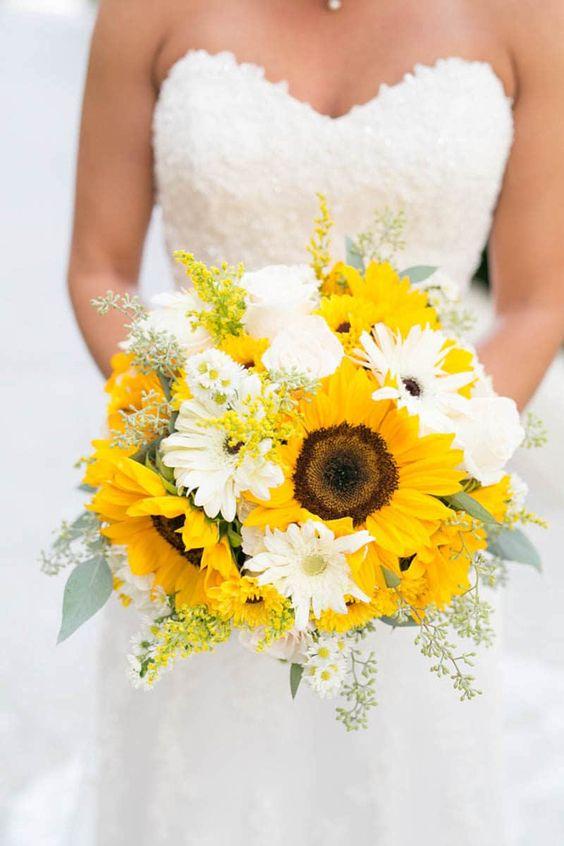 bouquet sposa girasoli e gerbere bianche