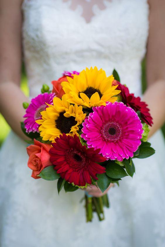 bouquet sposa girasoli e gerbere colorate