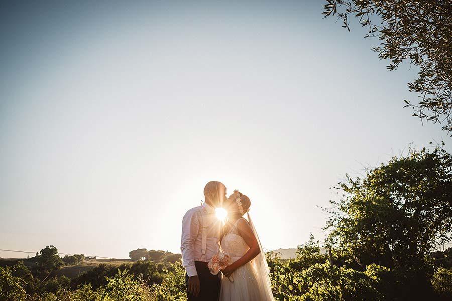 matrimonio in campagna sposi