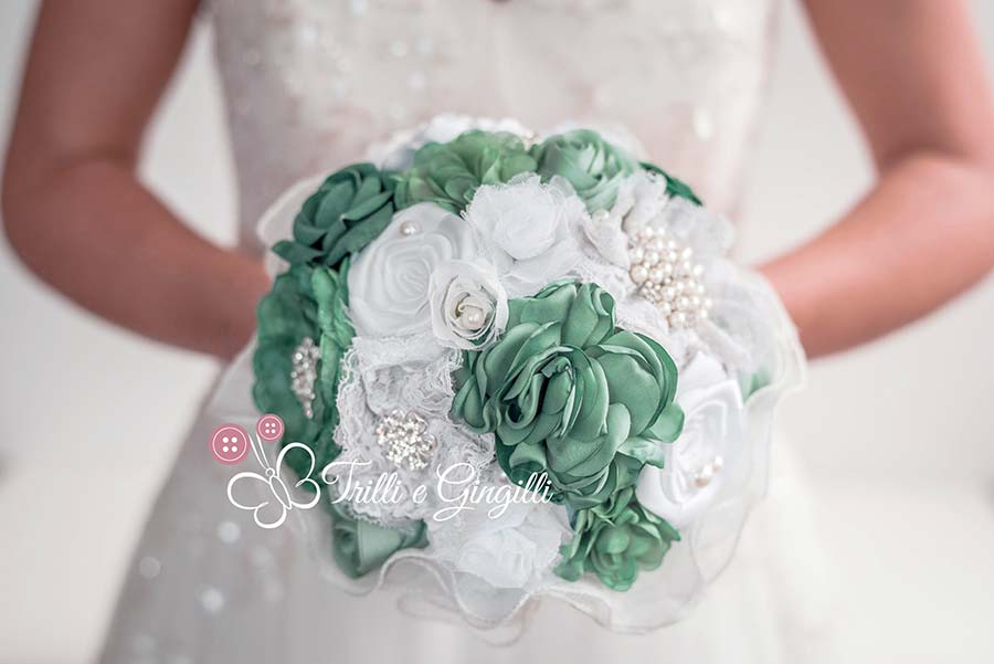 bouquet sposa bianco e verde stoffa