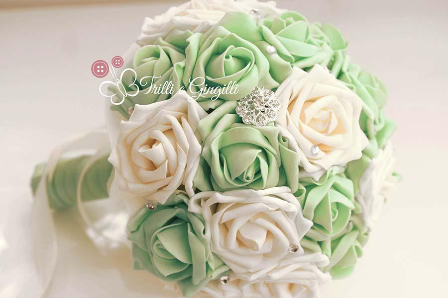 bouquet sposa verde e bianco rose