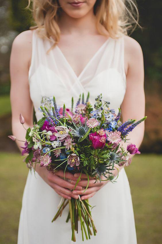 Bouquet Sposa Fiori Campo.Bouquet Sposa Hippie Ecco I Modelli Piu Adatti A Un Matrimonio In