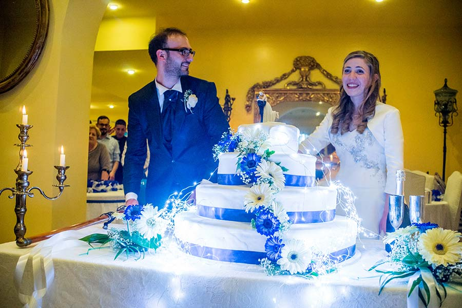 Tema Matrimonio Blu E Bianco : Il matrimonio a tema scuola di magda e giuseppe