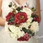 bouquet sposa natalizio rose rosse bianche