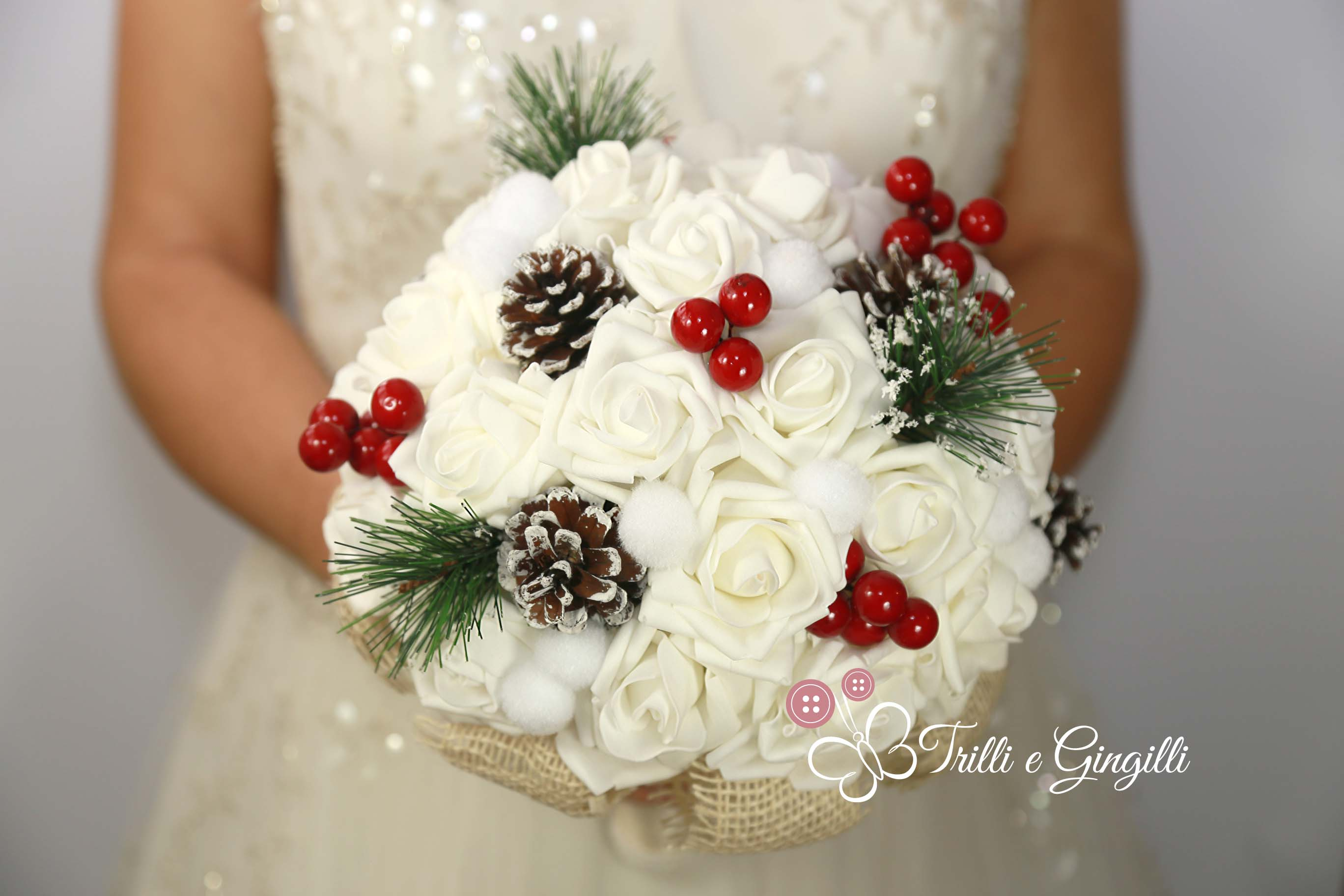 Wwwbouquet Sposait.Bouquet Invernale Tema Natalizio Rose Bianche Trilli E Gingilli