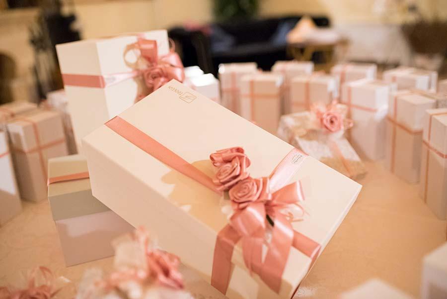 Matrimonio In Rosa : Il matrimonio rosa antico a tema coppie famose di jennifer e ivan