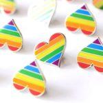 idee unioni civili bomboniere spille arcobaleno