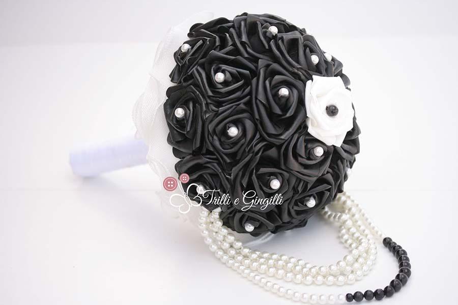 bouquet sposa inverno rose nere e perle