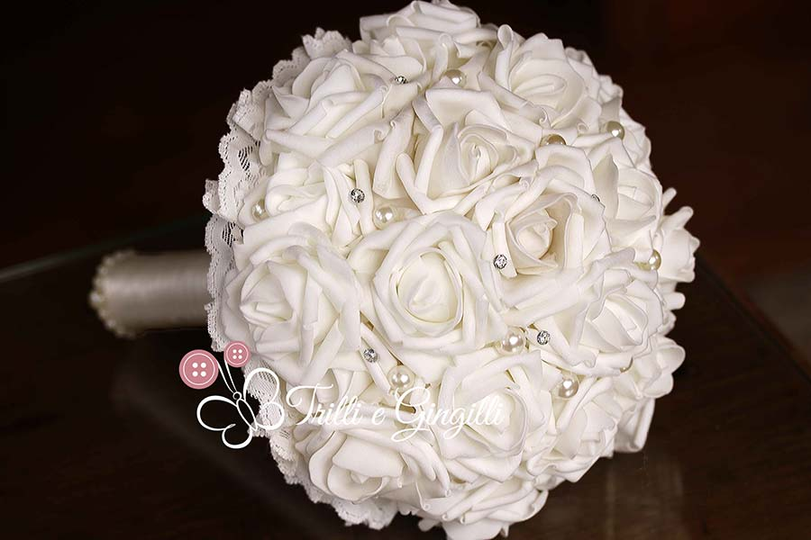 bouquet di rose bianche strass e perle