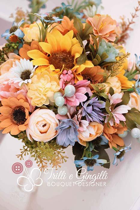 bouquet sposa moderno con fiori di campo