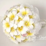 bouquet frangipani perle