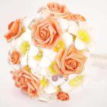 bouquet frangipani rose arancio
