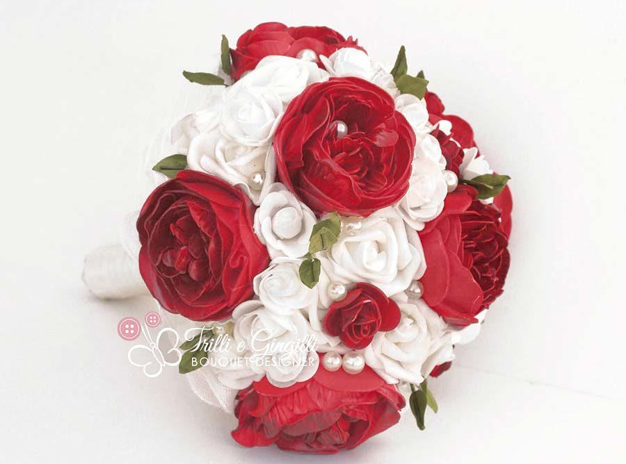 bouquet peonie rosse e bianche