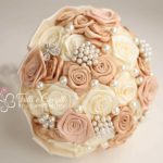 bouquet sposa rose raso beige