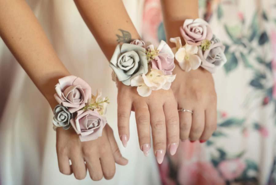 fiori da polso per damigelle