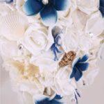 bouquet tema mare cascata rose frangipani