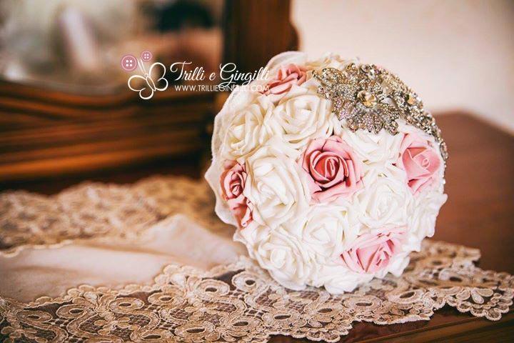 Bouquet Cadente Sposa.Tipi Di Bouquet Da Sposa Scopri Quello Adatto A Te