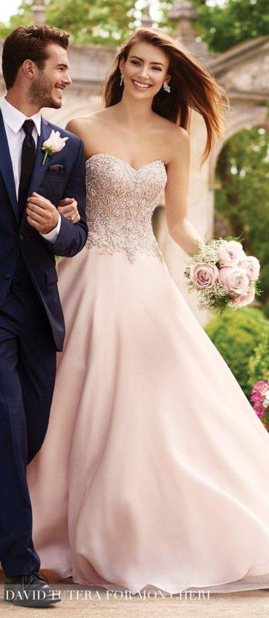 abito da sposa rosa antico e oro