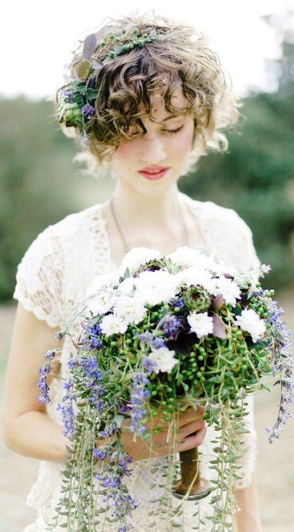 acconciature sposa fiori capelli corti