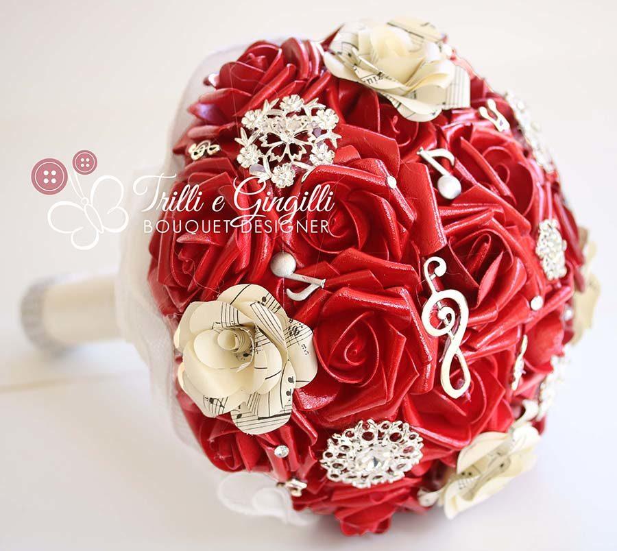 matrimonio anni 50 bouquet rosso a tema musica