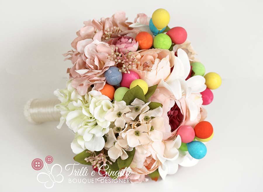 Bouquet di ortensie, gigli, peonie e palloncini