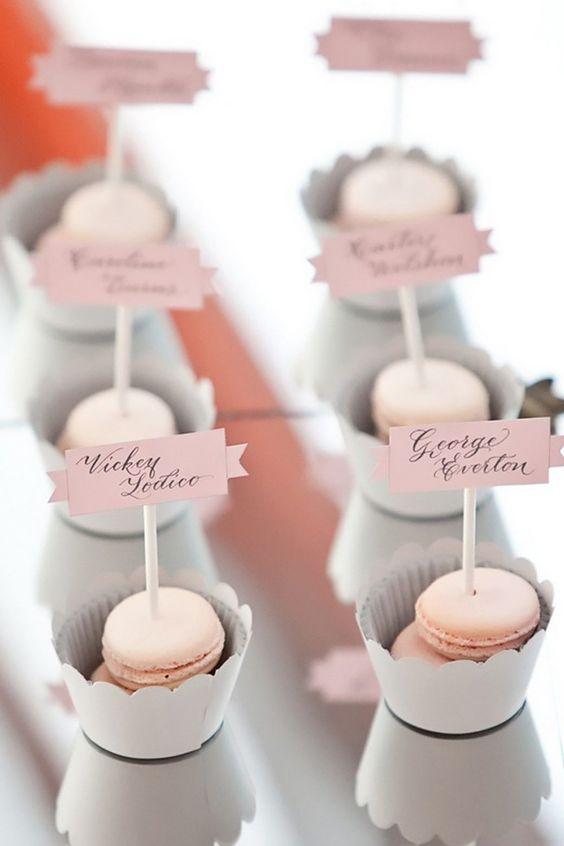 segnaposto matrimonio rosa cipria con macarons