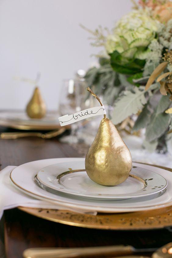 segnaposti matrimonio tema frutta pere