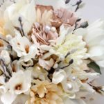 Bouquet Real Life di magnolie, gerbere, lysianthus