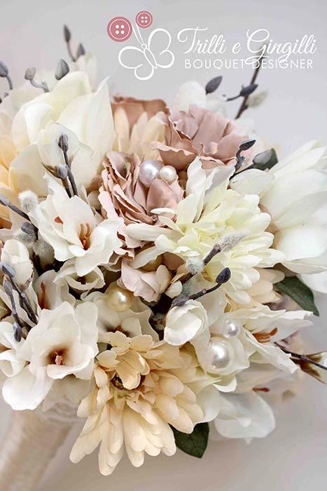 bouquet sposa rosa cipria con gerbere lisianthus e magnolie