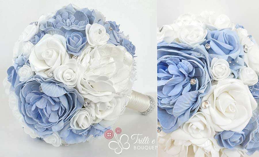 bouquet blu di peonie e rose