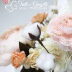 Bouquet modello Real Life pastello con fiocchi di cotone